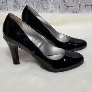 Bandolino black patent leather heels size 8.5
